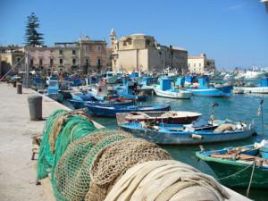 Port_de_p_che_de_Trani-Basilicata__Puglia_and_Ca-20000000000072251-500x375-700x525